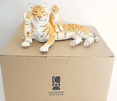 Natural World Tiger and two cubs (Boxed) by COUNTRY ARTISTS (8 x 4.5 inches)