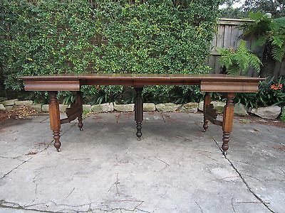 American Oak Extension Dining Table c.1905