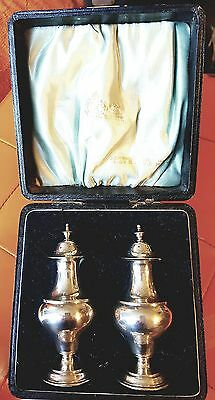 Antique silver salt and pepper set(Boxed 1901)