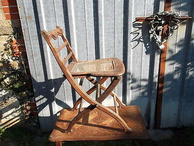 Chaise de paquebot? ancienne, cannage forme originale