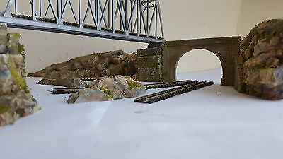 N Gauge Single & Double Track Tunnel Bridge Support And Rock Section Scenery Set