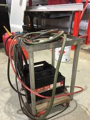 Plasma Cutter CIG 240v with spare tips etc  (Hardy used) Was $1250 new