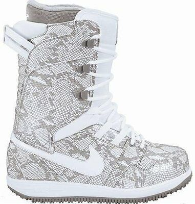 Nike Vapen Snakeskin grey and white Size 6.5 Women's Snowboard Boots