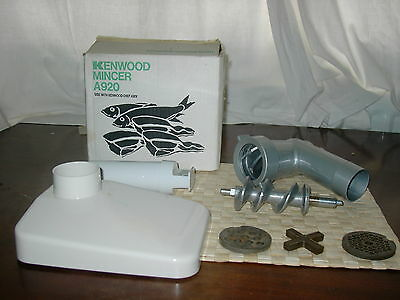 KENWOOD CHEF - Mincer - A920 - (Fits A901 & all KM models). Excellent condition.