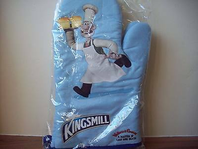 Wallace and Gromit Oven Gloves BNIP