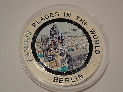 Equatorial Guinea 7000 Francos 1994 Famous Places in the World Berlin