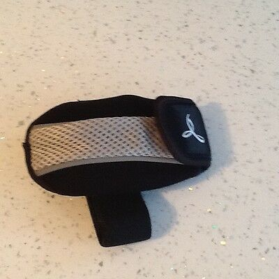 Armband for valuables etc when exercising/running