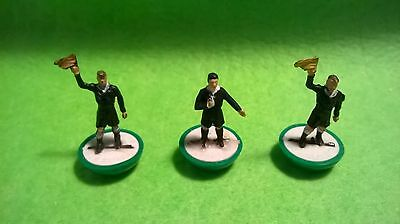 Subbuteo Hw Referee And Linesmen (C-107)