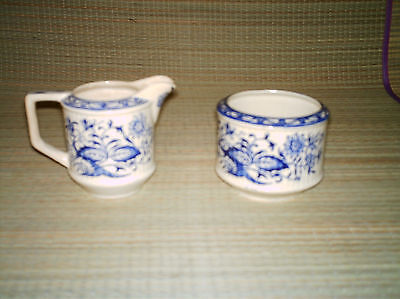 Vintage Sadler England Creamer pitcher & sugar bowl blue Onion flower.