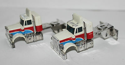 2 Lot Vintage Aurora Afx White Red And Blue Peterbilt Semi Ho Scale Car Body