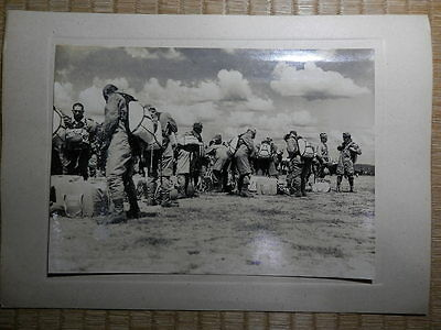 WW2 DAITOUA war news photo.The army paratroopers which sally.