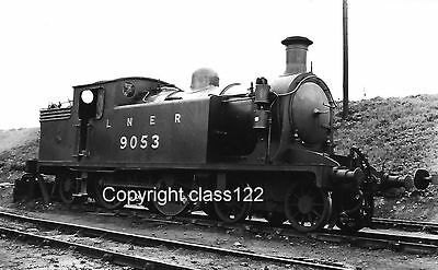 B&W photo LNER C-15 4-4-2T No.9053 at Dunfermline