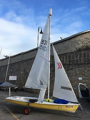 Laser 2 sailing dinghy Sail no. 9315 (Year 1993) with Combo Trailer