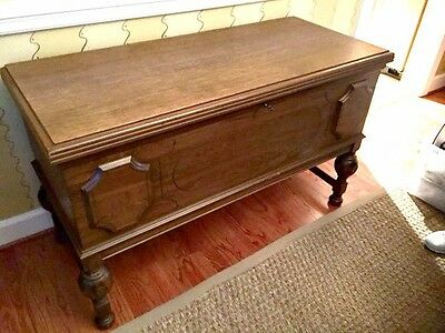Antique / Vintage mid century Hope Cedar Chest - EUC