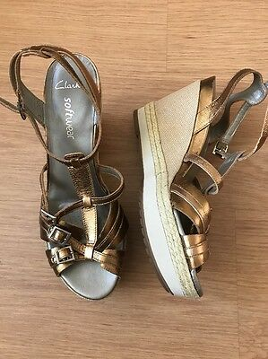 Clarks Softwear Gold Leather Wedges Sandals Size 7.5 Worn Once