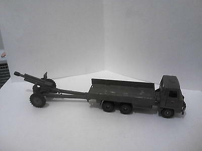 Vintage Dinky WW II Foden Flatbed Truck and 105mm Gun,1:32 Scale,Minor Issues!