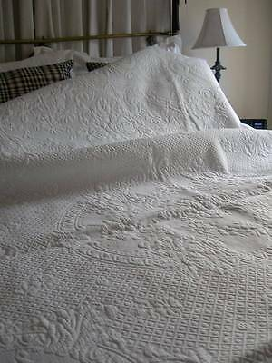 Lovely antique French 19thC Piquee de Marseille Marcella Matelasse bedspread