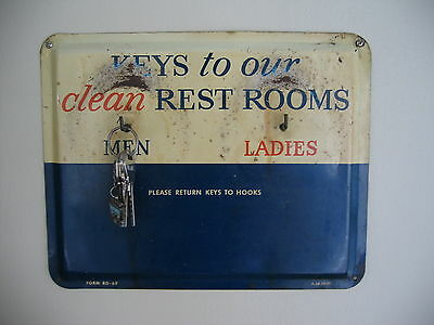 VINTAGE GULF Rest Room Sign / Keys Holder