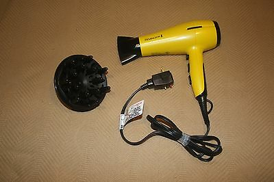 REMINGTON D4322 Ultimate Finish Dryer with diffuser. USA plug and voltage.