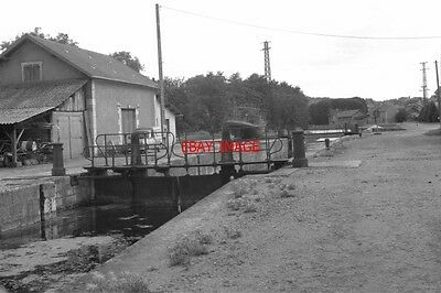 Photo  France Canal 1987 Clamecy Disused Lock 47B