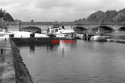 Photo  France Canal 1987 View With Boats And Bridge