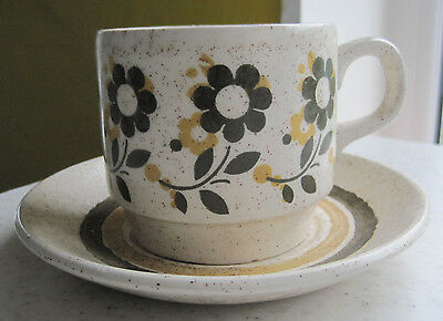 Set Of 4 Vintage Retro Biltons Cups And Saucers Staffordshire Tableware