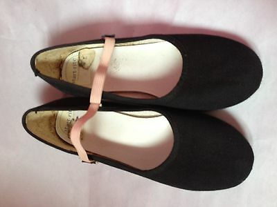 Girls Black Canvas Character Dance Shoes Size 3