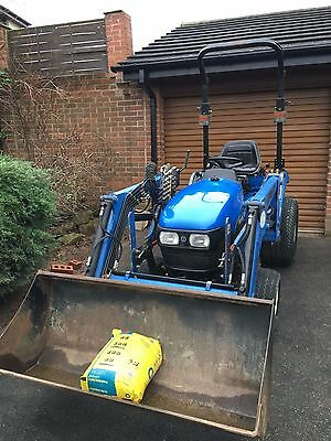 compact tractor with loader new holland tc21d