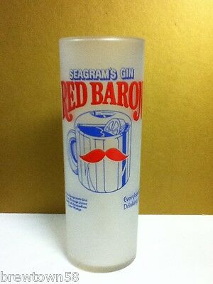 Seagram's Gin Red Baron Everybodys Drinking It cocktail mixed drink glass PS4