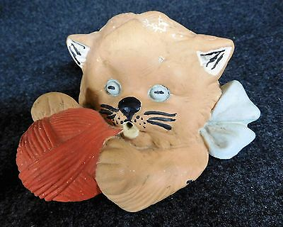 Vintage SILVER QUEEN Pottery CAT with YARN BALL Grand Rapids MN (AB1190)