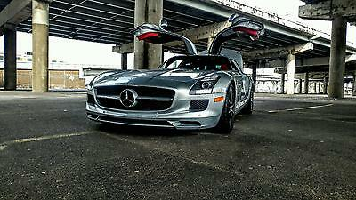 2011 Mercedes-Benz SLS AMG Gullwing Carbon Fiber Trim Bang and Olufsen Sound System Clean Carfax Only 2 Owners