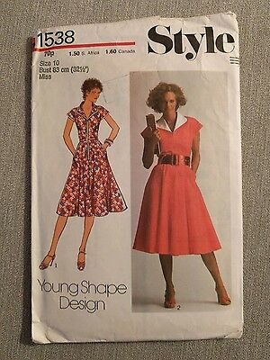1950's pattern by Style 1538  - Young Shape Design - size 10