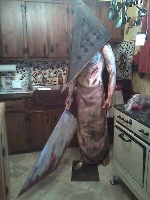 Silent Hill Red Pyramid Head Zombie Prop Lifesize  Mannequin 6'8 Halloween Prop