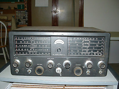 HALLICRAFTERS SX-71 HAM and SHORTWAVE RECEIVER  WORKS GOOD wtth MANUAL