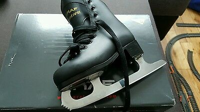boys ice skates new size 11