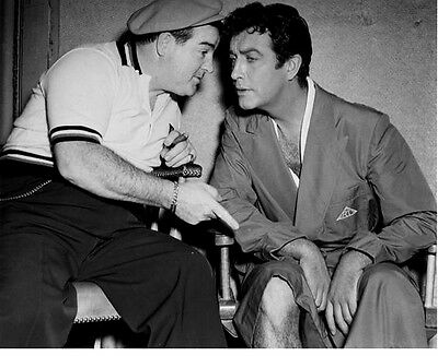 Robert Taylor And Lou Costello Candid   8X10 Photo