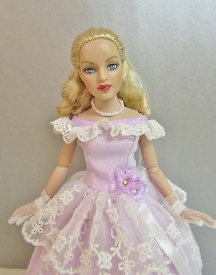 "Tonner 10"" Tiny Kitty with Blonde Curls & Bending Arms in ROSE GARDEN Outfit"