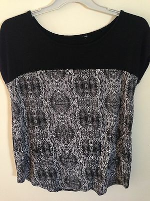 Womens Size 14 Black And White Tshirt Top Short Sleeve