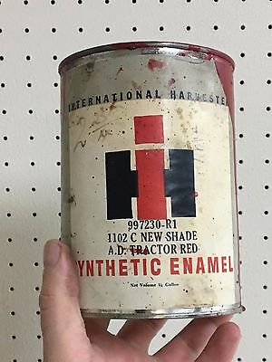 Rare vintage 1/4 Gallon INTERNATIONAL HARVESTER Enamel RED paint can oil & Gas