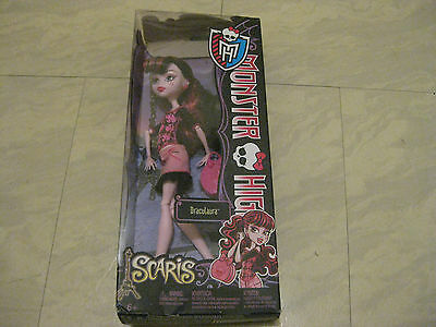 Monster High Dolls - DRACULAURA SCARIS City of Frights Doll NEW NIB