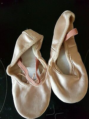 Girls RV Satin Ballet Shoes. Size 10