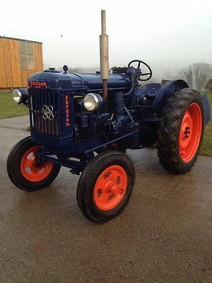 Fordson Major E27n Perkins p6 Tractor