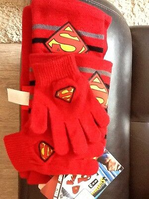 Superman Hat, Gloves And Scarf Set Bnwt