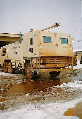 French Air Force (UN) Armoured Major Crash Tender in Sarajevo - POSTCARD