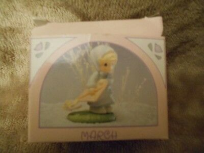 1989 Precious Moments MARCH MINIATURE MONTHLY FIGURINE #573329