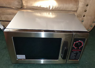 Panasonic NE-1022F 1000W 0.8cu Commercial Microwave Oven Silver