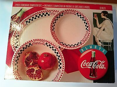 COCA-COLA 3pcs Stoneware serving set. DINER-CHECKERED style collectors item. NEW