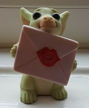 Collectible World Studio Pocket Dragon * Sealed with a Kiss - Mint Condition  *