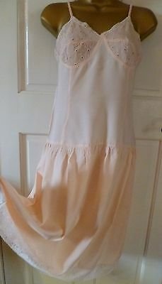 Vtg 1940S Queen Eleanor Ultra Femme Silky Peach Full Slip Nightdress Size 10