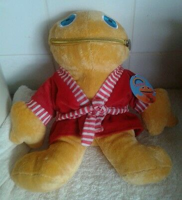 """Zippy From Rainbow.in Red Dressing Gown  11"""" Tall With Official Button & Tag"""